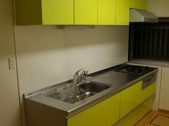 キッチンの収納が増えてとても便利で助かっています。また何かあればお願いします。