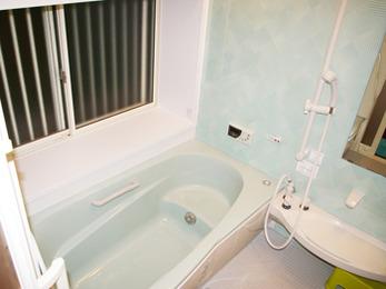寒かった浴室があたたかなユニットバスになりました。