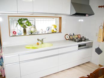 収納が増えてキッチンがおしゃれで使いやすくなりました。