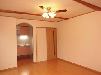 デザイン性と暖か味のあるお部屋に大満足です!