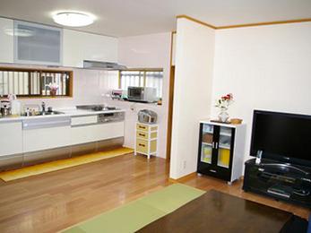 キッチンの向きを変えることによって使いやすいキッチンになりました。