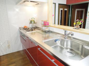 3Dプランを作成してくれた為、限られたスペースで念願の対面キッチンにできました。