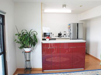 最初は古くなったキッチンを入れ替えたいと相談しましたが、3Dプランが気に入ってLDK全体の工事をお願いしました。 とっても快適になり大満足です。