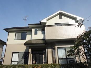 屋根も外壁も3回の手塗りでとても丁寧な仕上がりです。