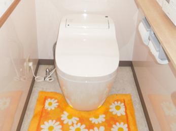 タンクレストイレにして空間すっきり★内装も一新して素敵なトイレに