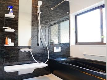 お掃除ラクラク、機能性もバッチリ!高級感に満ちた浴室へ☆